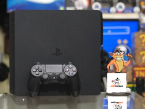 USED PS4 slim with at least 3 games